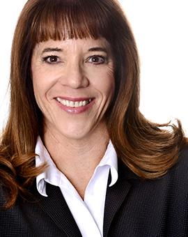 Carolyn J Lindholm